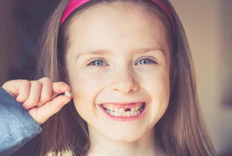 Thời điểm nhổ răng sữa cho bé tốt nhất là khi nào?