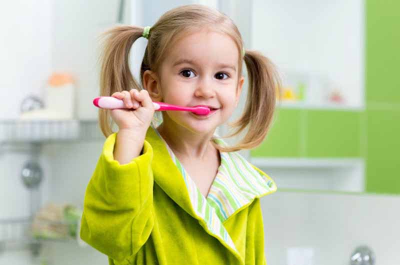 Luôn giữ vệ sinh răng miệng của trẻ thật sạch sẽ
