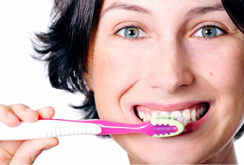Vệ sinh răng miệng sạch sẽ là cách ngăn ngừa bệnh viêm lợi hiệu quả