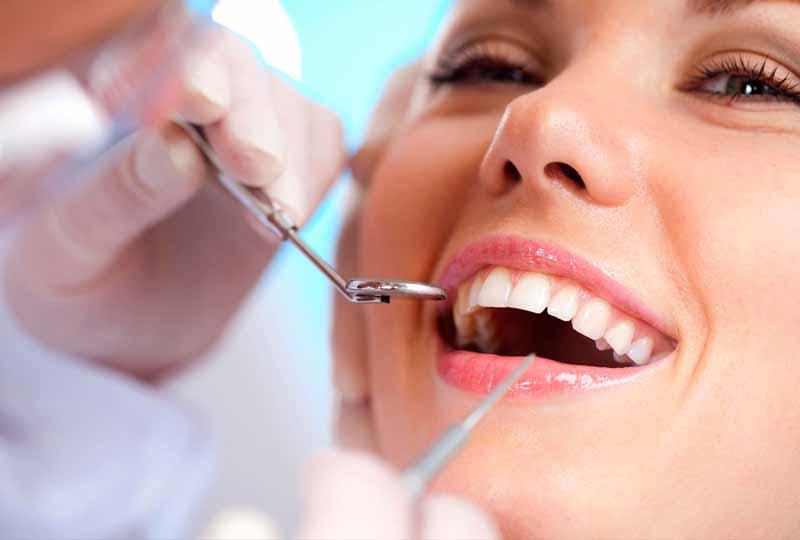 Lấy cao răng giúp loại bỏ mọi vi khuẩn gây hại cho răng miệng