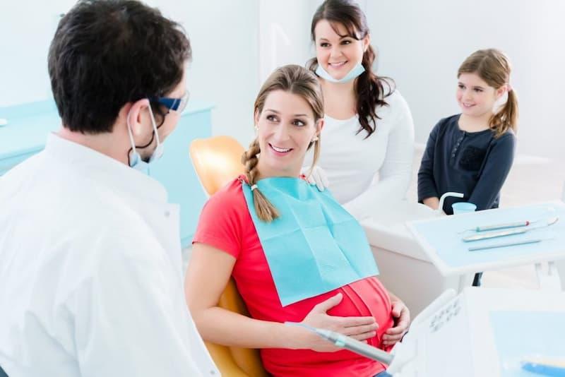 Đi khám tại phòng khám uy tín là cách điều trị mà nhiều người áp dụng