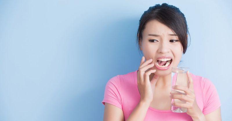 Hãy thận trọng nếu tình trạng ê buốt răng sau nhổ răng khôn kéo dài nhiều ngày