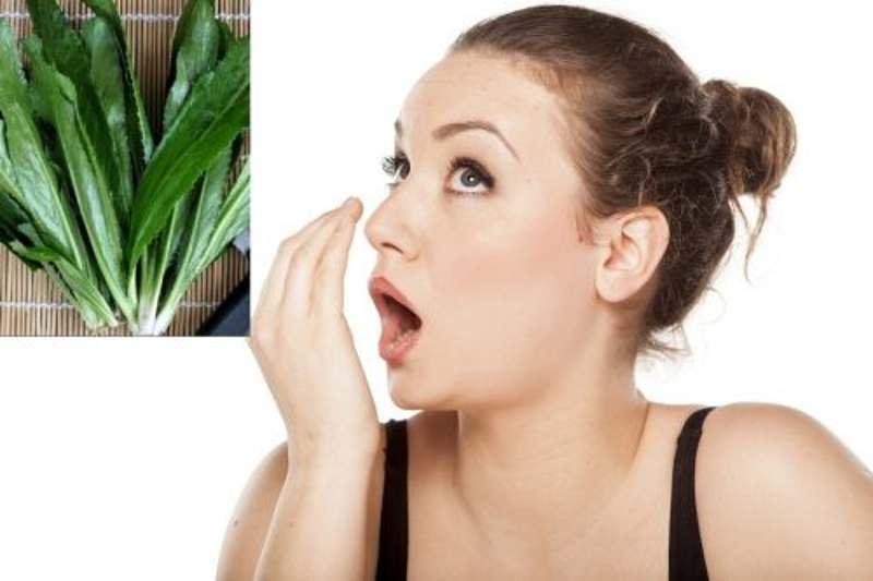 Rau mùi tây có tác dụng lớn trong việc điều trị chứng hôi miệng từ cổ họng.