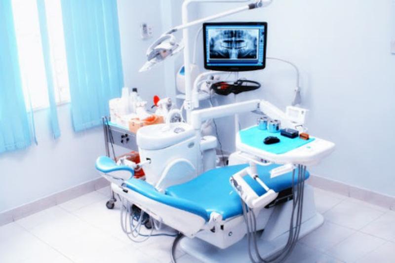 Tại nha khoa còn được cung cấp trang thiết bị cùng những vật dụng chuyên nghiệp