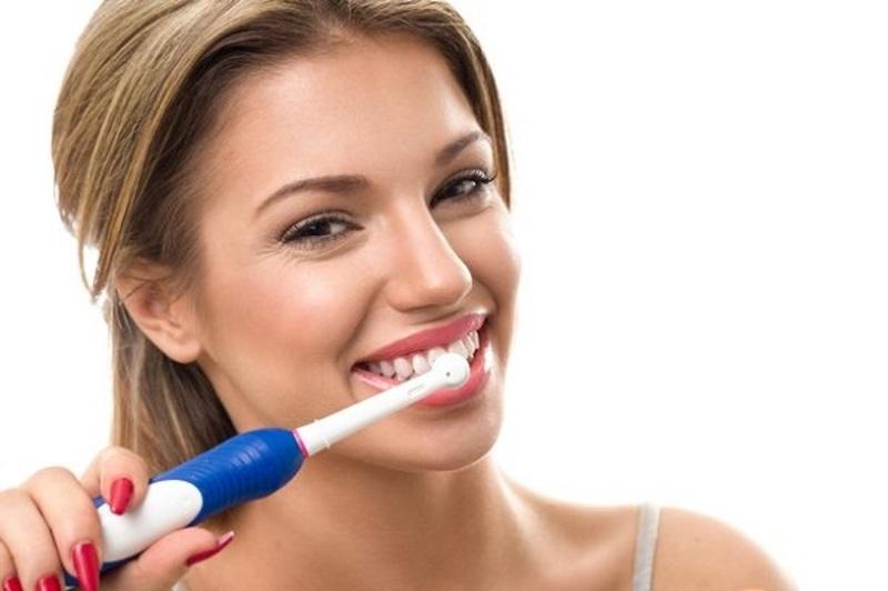 Cần có một chế độ chăm sóc răng miệng hợp lý