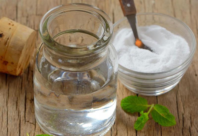 Dùng nước muối loãng cũng là một phương pháp điều trị nấm lưỡi hiệu quả