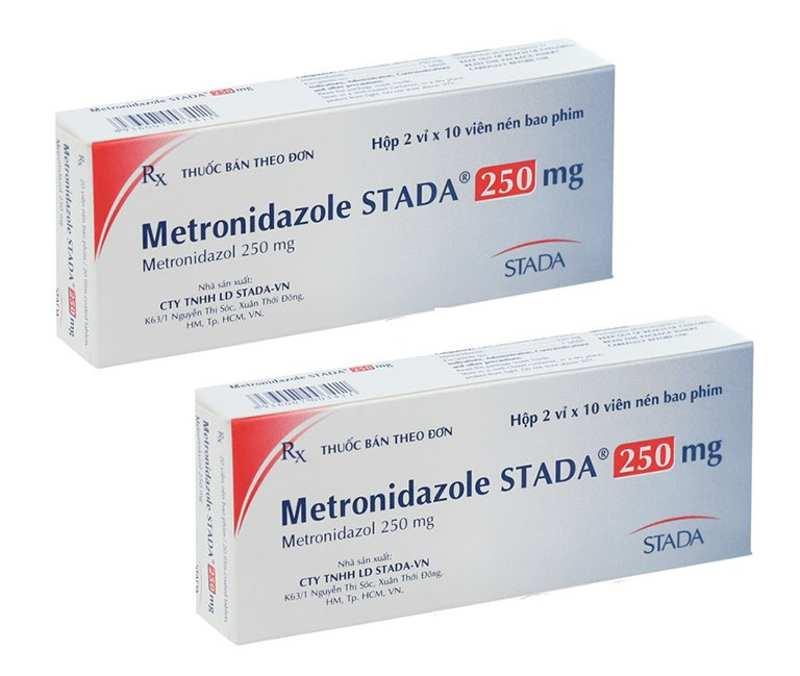 Thuốc kháng viêm giúp giảm các biểu hiến sưng đỏ, phù nề lợi và má.