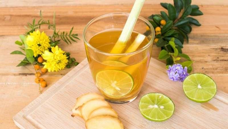 Nước chanh có khả năng kháng viêm và ngăn ngừa vi khuẩn xâm nhập.