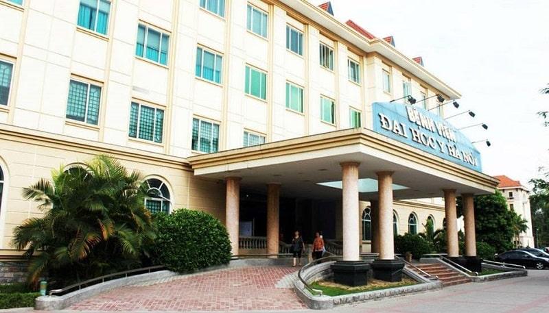 Tại Hà Nội, bạn có thể tới Khoa Răng Hàm Mặt Bệnh viện Đại học y để bọc răng sứ