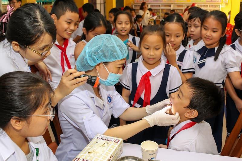 Nha khoa học đường vẫn đang là dấu chấm hỏi lớn của ngành nha khoa Việt